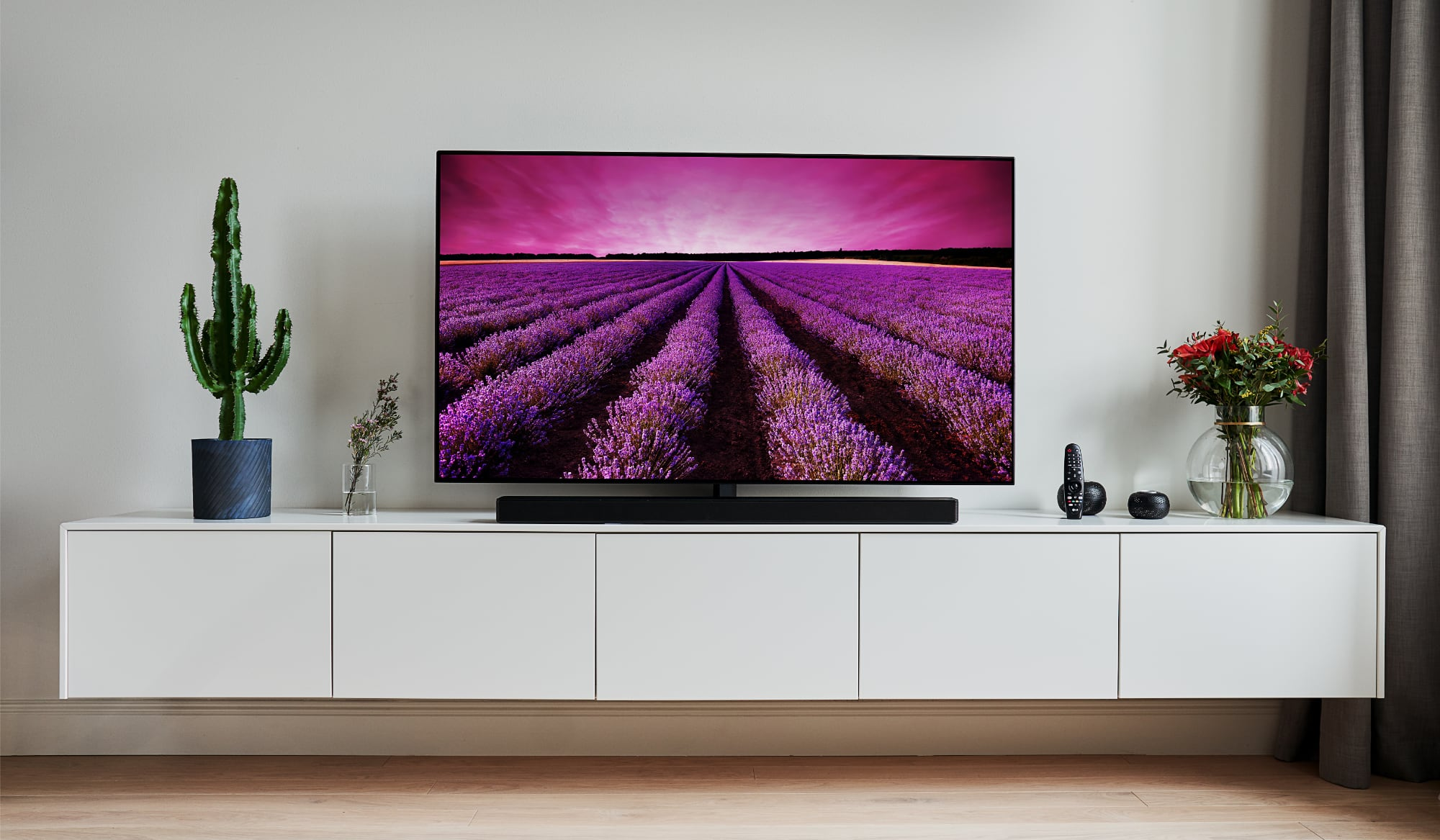 LG SM90 review