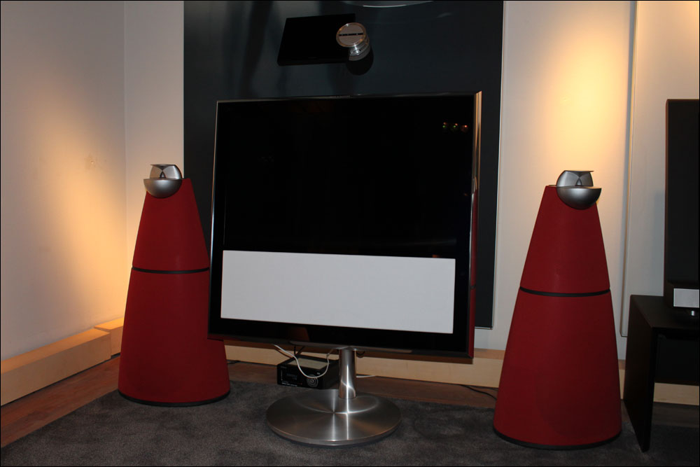 B Amp O Beovision 10 32 And Beosound 8 First Look Flatpanelshd