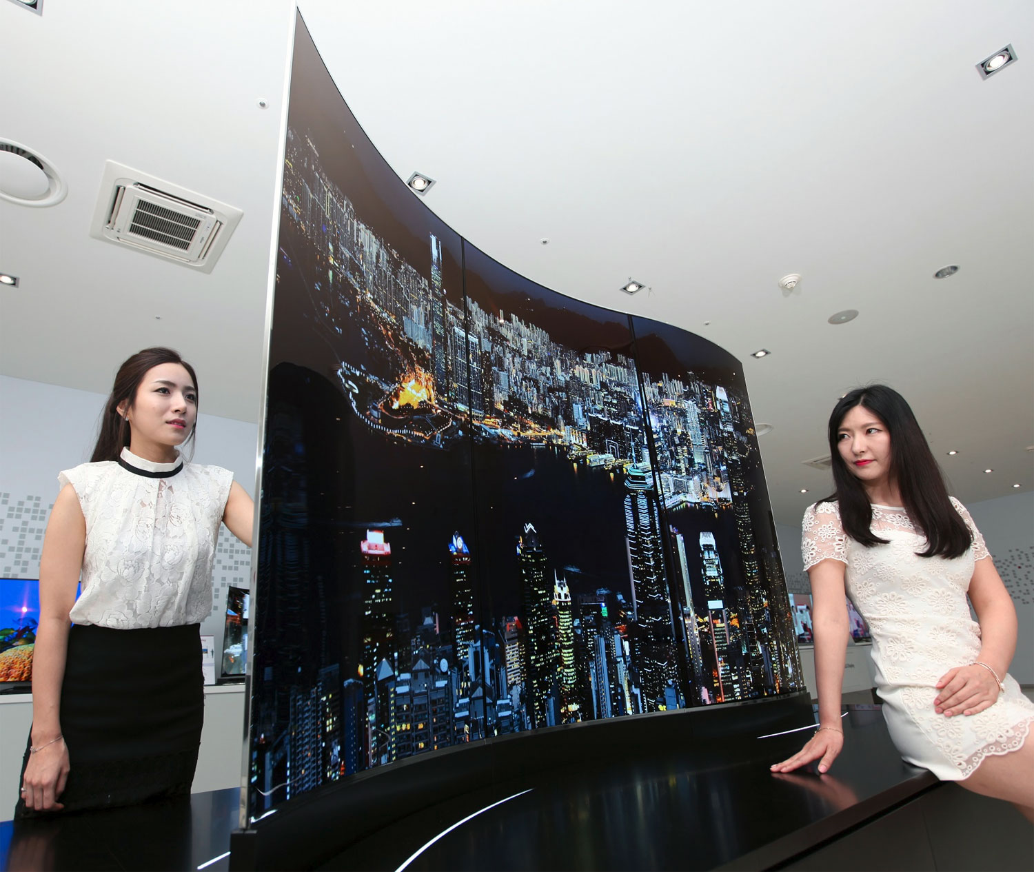 """LG's """"future OLED"""" concepts: 111"""" Wave OLED & double-sided ..."""
