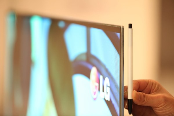 LG wants to introduce their 55-inch OLED-TV at CES 2012