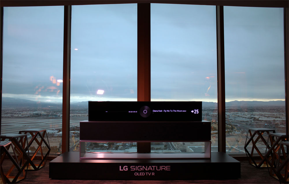 LG 2019 LG Rollable OLED line view