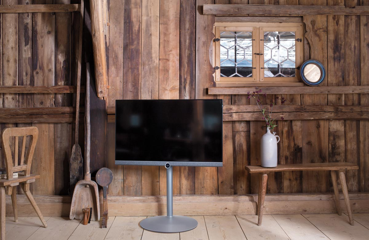 loewe unveils 39 bild 5 39 lcd tv series starting from 1190. Black Bedroom Furniture Sets. Home Design Ideas