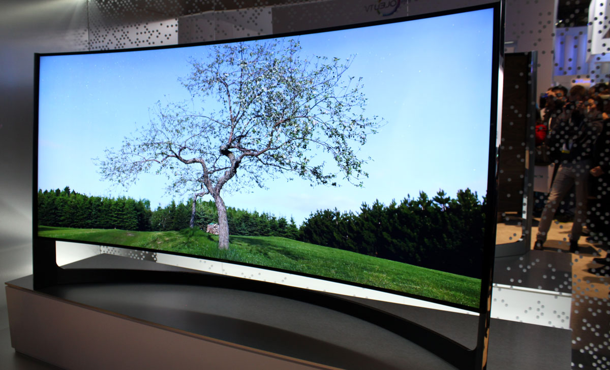 samsung 39 s bendable tv will launch in 2014 review flatpanelshd. Black Bedroom Furniture Sets. Home Design Ideas