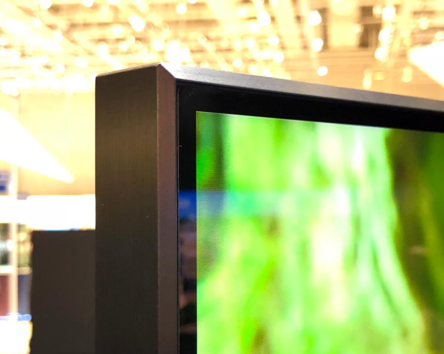 Hands-on with Samsung's Q900R 8K TV (& technical information