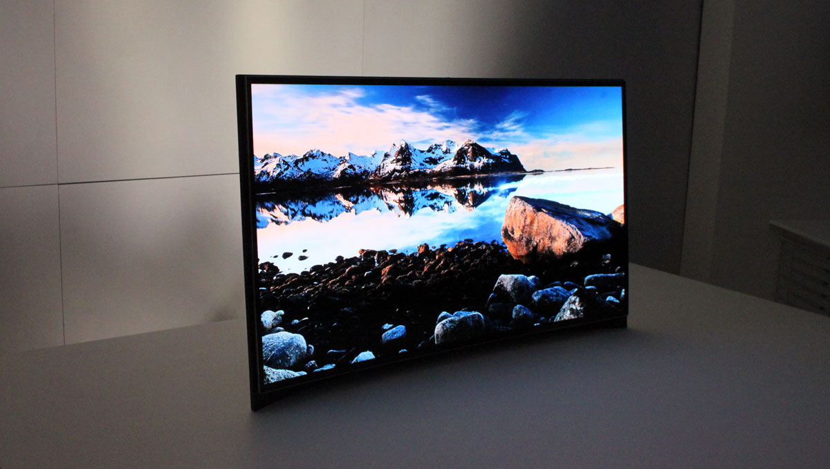 Samsung exhibits curved OLED-TV at CES - FlatpanelsHD