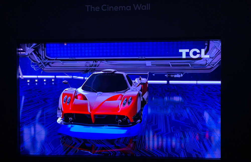 TCL microLED display