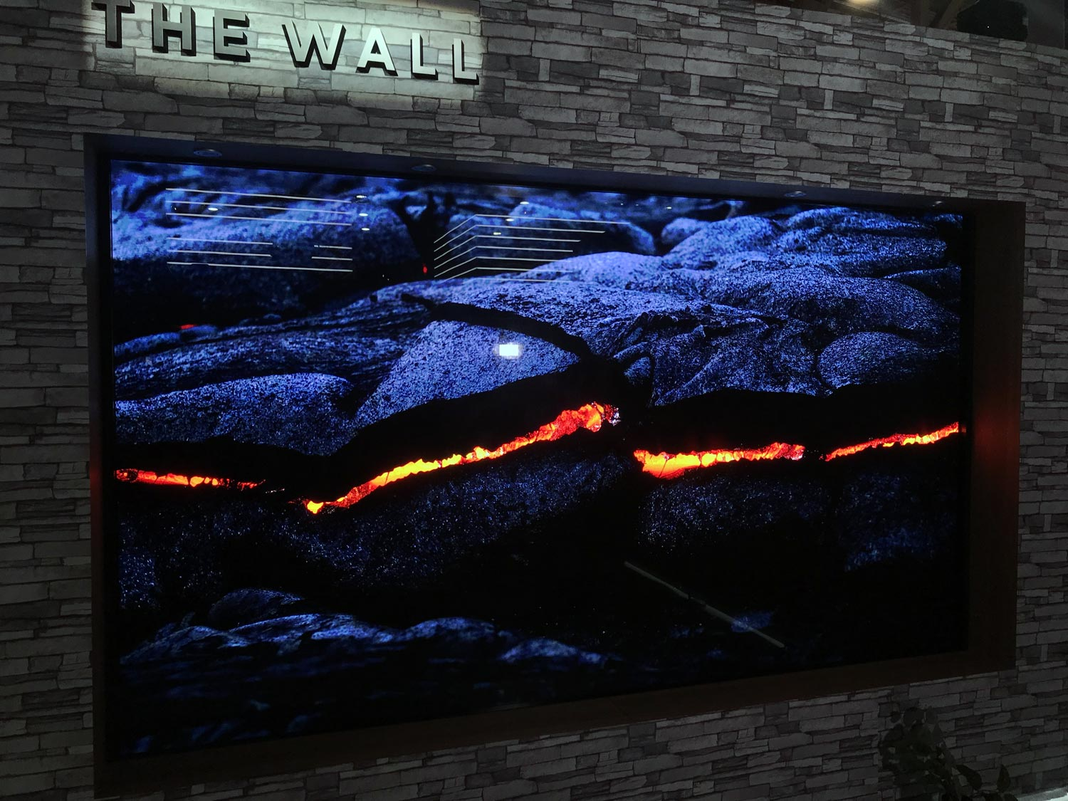 First look: Samsung The Wall (146